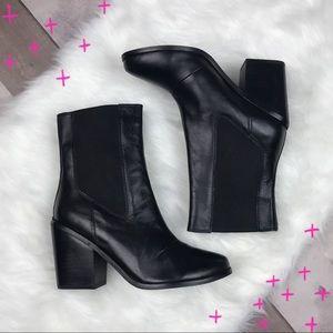 EUC ASOS black heeled ankle booties size 6